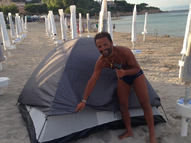 Daniele getting ready to sleep on the beach
